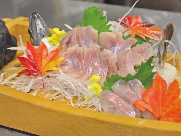 【例/夕食】岩魚の姿造り(※写真は2人前)