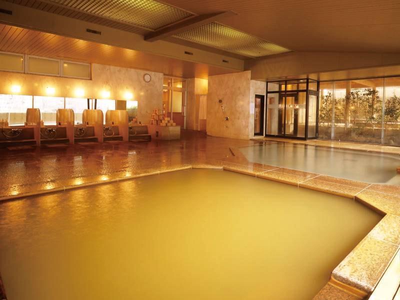 【大浴場】開放感のある大浴場