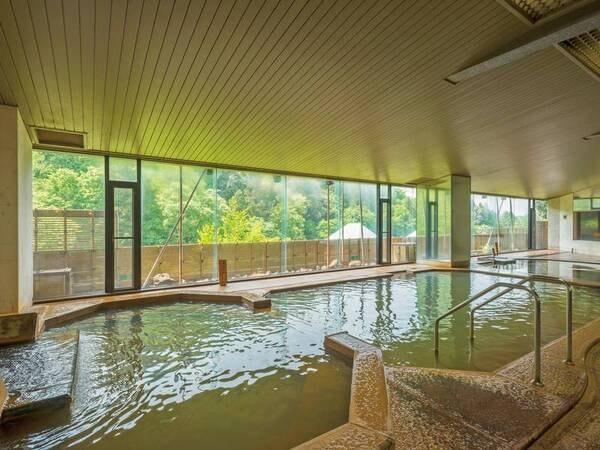【大浴場】「黄金の湯」「白銀の湯」伊香保2大源泉を1つの大浴場で楽しめる