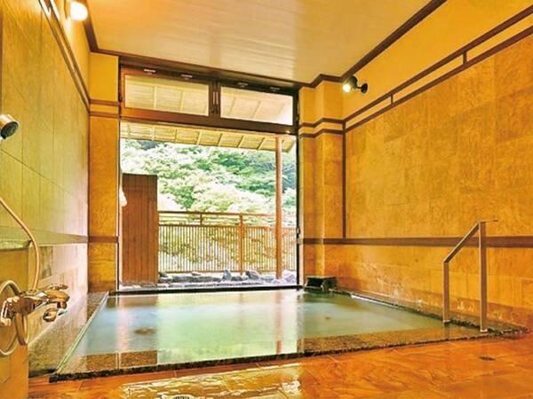 【大浴場】大きな湯船で手足を伸ばしてゆったり入浴