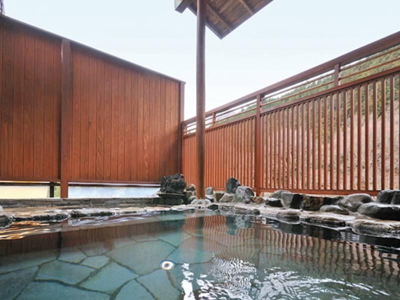 【露天風呂】四万の空気と景色を堪能