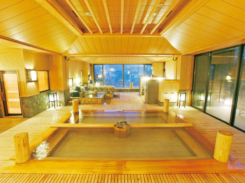 【大浴場】多彩な湯船と2種の源泉が愉しめ、サウナ・岩盤浴上も無料で利用可能