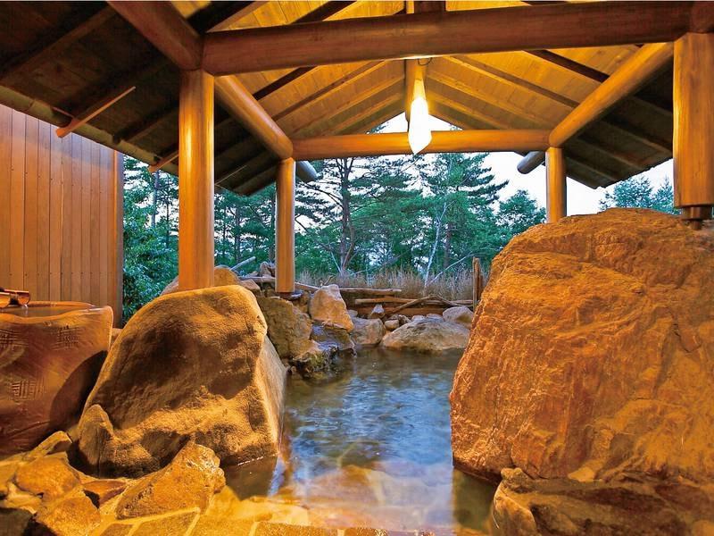 貸切風呂【岩室】3か所ある貸切露天風呂は空いていれば無料で利用可能