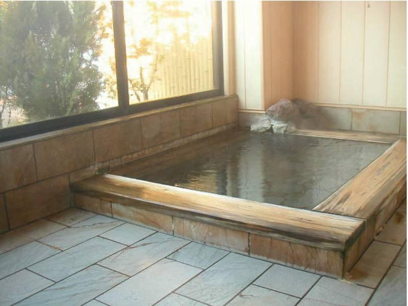 【家族風呂】24時間利用可能。客室からも近くて便利!