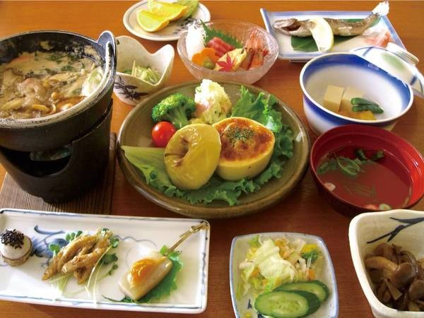 【夕食/例】新鮮な地元素材を中心に、心のこもった手料理をご用意