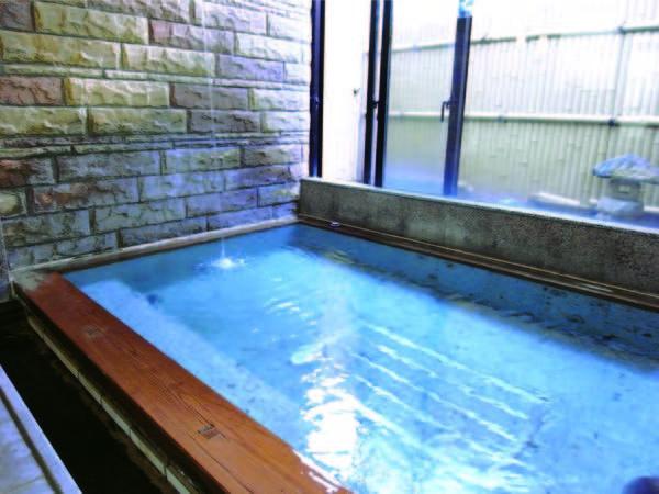 【大浴場】とろみのある泉質
