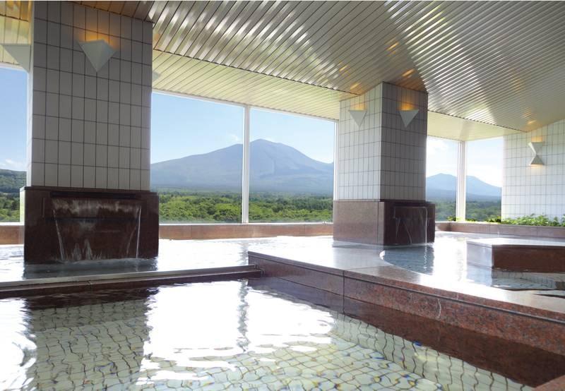 【大浴場】地上13階から浅間山麓のパノラマを一望!