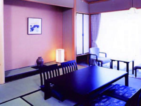 【10畳和室/例】利根川を望むゆったり10畳和室