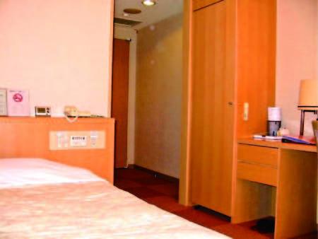 【シングル洋室例】シンプルなビジネスホテルタイプの客室