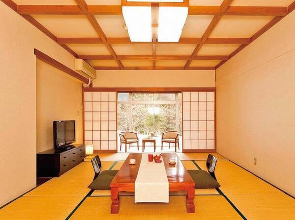 【山側和室/例】清潔感のある10畳以上の和室