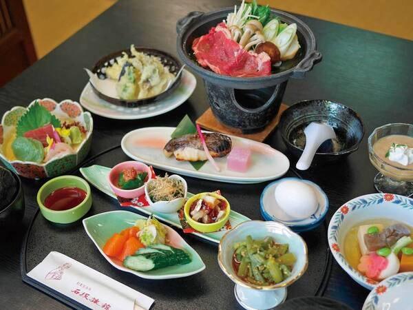 【夕食/例】季節の旬の食材を使用した約9品の御膳料理をお部屋食で