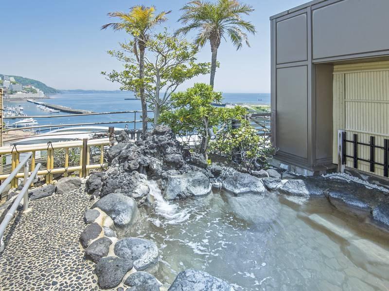 【露天風呂】熱海の夜景と海を一望する露天風呂(男女入替制)