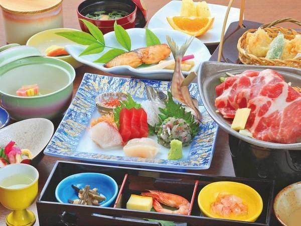 【夕食/例】お造り5点盛・コクのある豚肉陶板蒸し・天ぷら盛り合わせなど