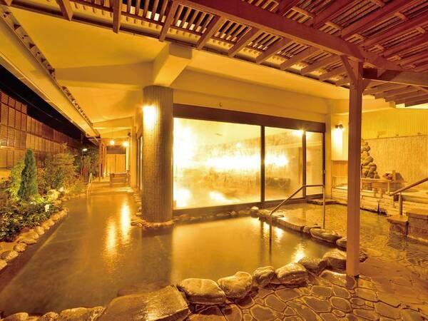 【露天風呂(源氏の湯)】回廊の広々露天風呂。開放感、爽快感は格別!