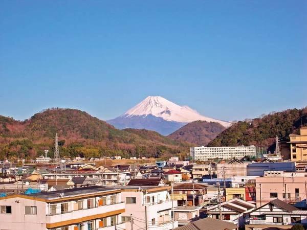 【富士山側/眺望例】遠くそびえる富士山を望む