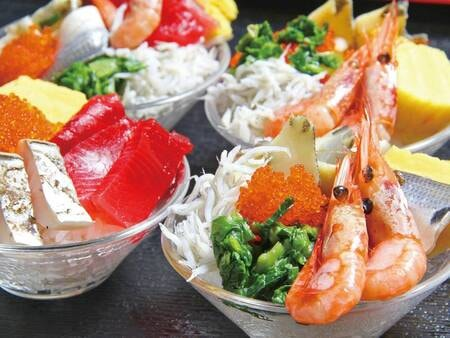 【夕食/例】ミニバイキングに、お好きなネタをのせてマイ海鮮丼が楽しめる『のっけ丼』も新登場