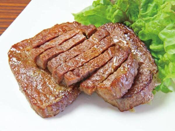 【夕食/例】ミニバイキングに『ステーキ』も登場!
