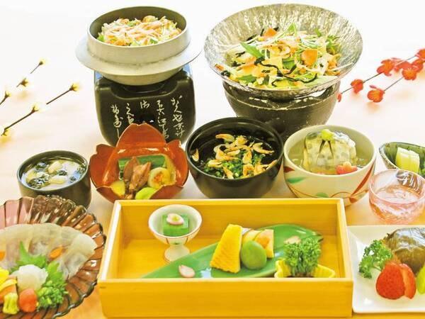 【春の味覚会席/例】新鮮な桜鯛は美しく薄造りでご提供