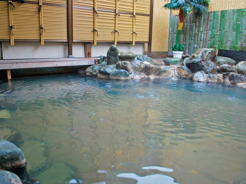 【露天風呂/例】下賀茂温泉唯一「ぬる湯」の露天風呂!源泉かけ流しで癒される。