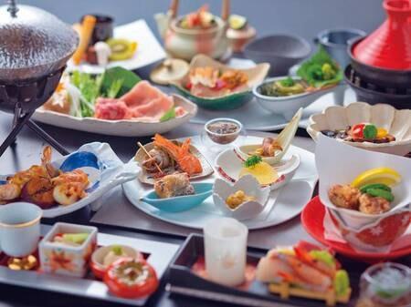 【あわび付!こだわりの海鮮料理の夕食/例】あわび踊り焼き、料理長厳選!その日の旬魚を使用した一品など、南伊豆ならではの海の幸を愉しむ会席料理