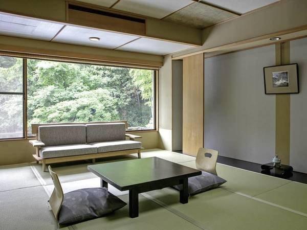 【客室/例】 10畳以上の和室。静かな山の風景を望むひと時♪