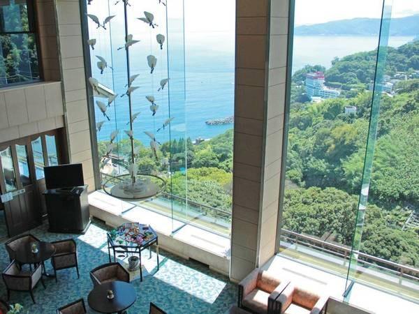【ロビー】高台から海を一望!