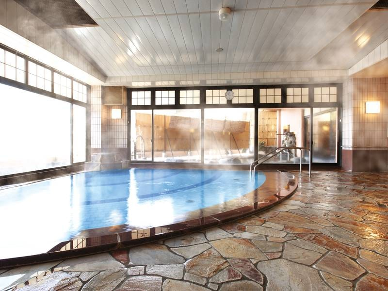 【大浴場】手足を伸ばしてゆったり温まる