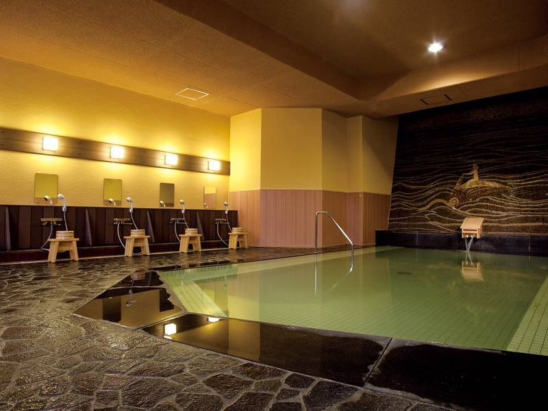 【大浴場「芭蕉の湯」】2本の自家源泉とレトロな雰囲気のお風呂を満喫できる