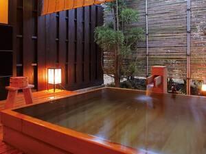 【貸切露天風呂】自家源泉かけ流し。専用の湯上り処も楽しめる(有料)