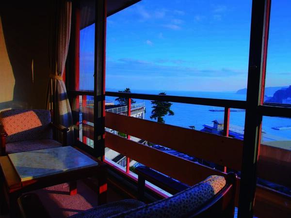 海側5階高層階 広縁付き和室