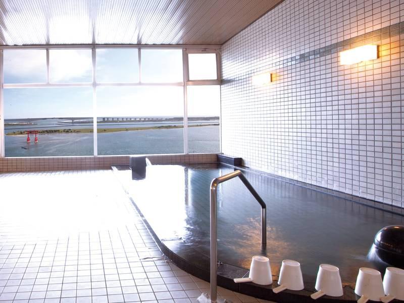 【大浴場】弁天島大鳥居を眼下に望む