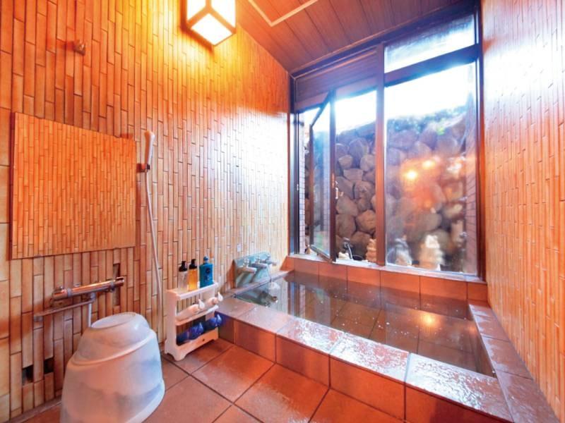 【バリ風家族風呂】隠れた癒し系の貸切バリ風家族風呂(無料)