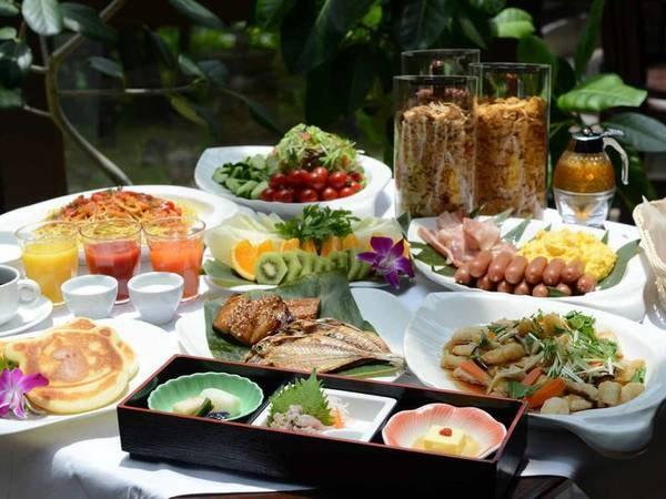【朝食】伊豆の味覚も愉しめる和洋折衷のビュッフェ/例