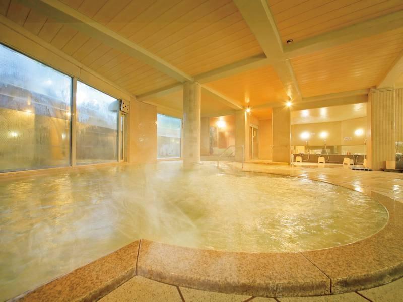【大浴場】湯口から聴こえる湯音に癒される