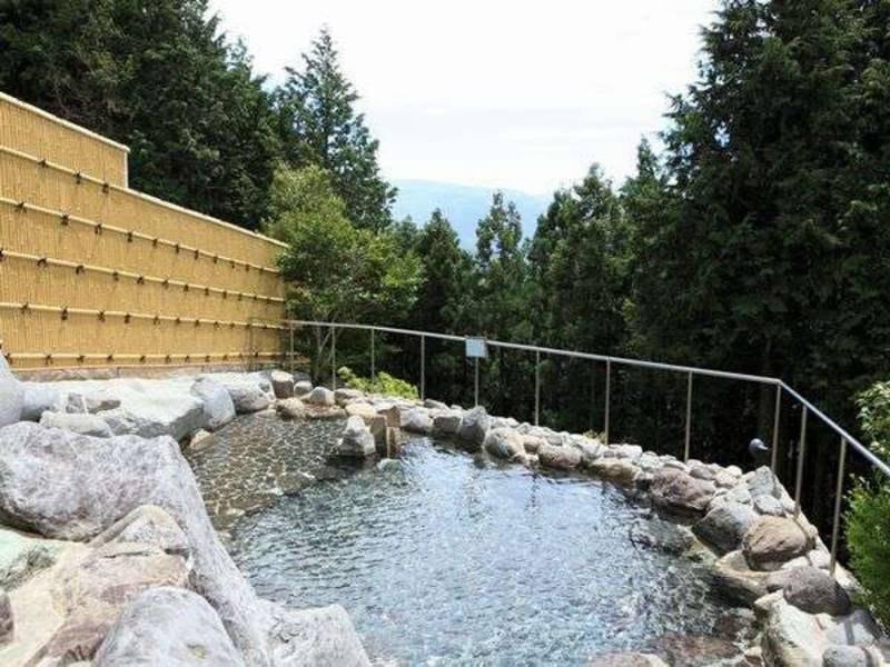【露天風呂】穏やかな自然を眺める