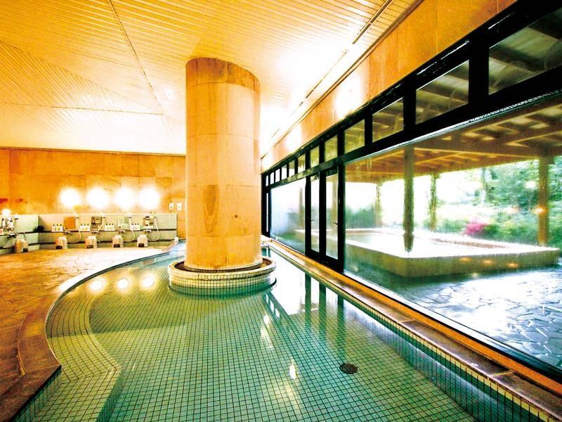 【大浴場】シルク風呂やこだわりのサウナなど多彩
