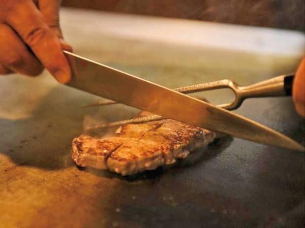 【夕食/例】人気!鉄板焼きコーナーも