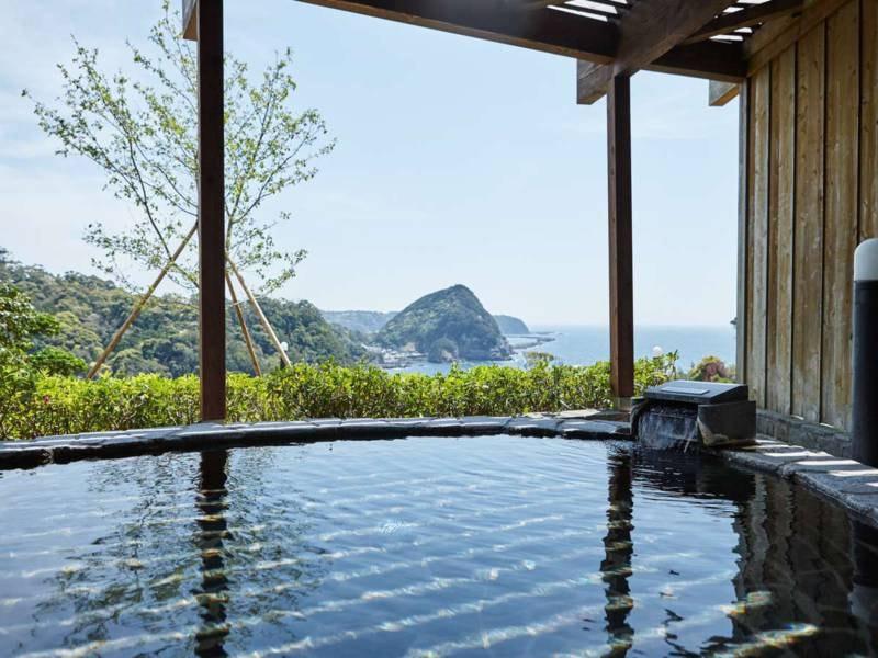 【岩露天風呂/女湯】和歌の浦と赤根島がご覧いただけます