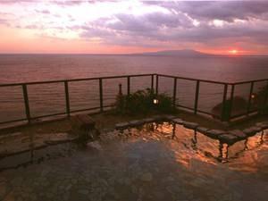 浜風の湯 露天風呂からの朝焼け