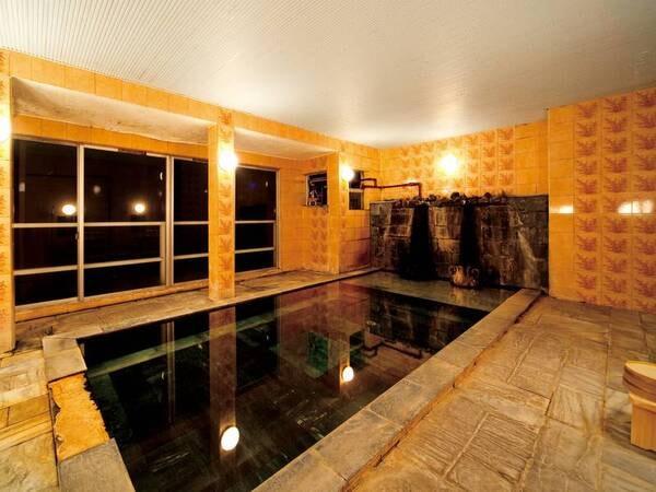 大浴場も源泉かけ流し!夜中も入浴可能!※入浴時間:15:00-10:00