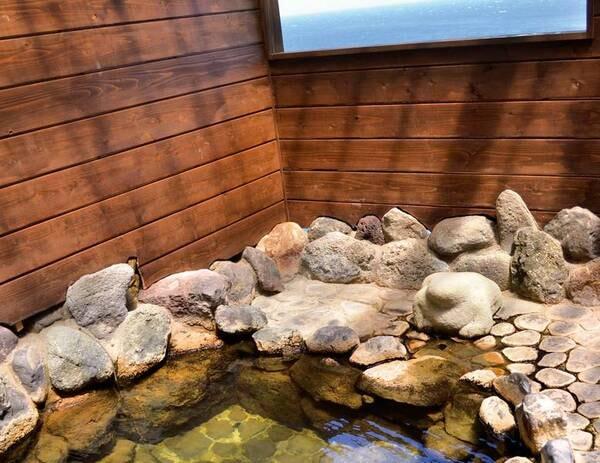 貸切風呂(岩風呂)/夜中も入浴可能!※入浴時間:15:00-10:00