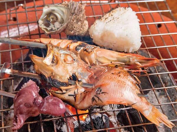 伊勢海老・あわび付き豪華海鮮BBQ夕食一例 ※調理はセルフとなります