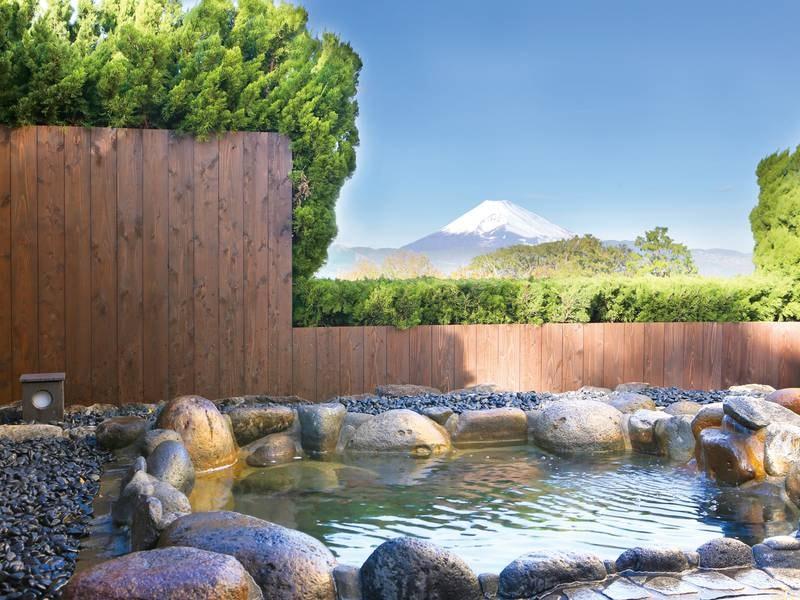 【貸切風呂/冨士見の湯(1階)】富士山の景色と良質な湯を独り占め!