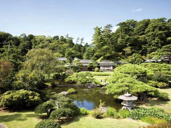 【庭園】約3,000坪の広大な庭園
