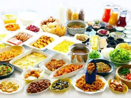 約40種類の和洋朝食バイキング/一例