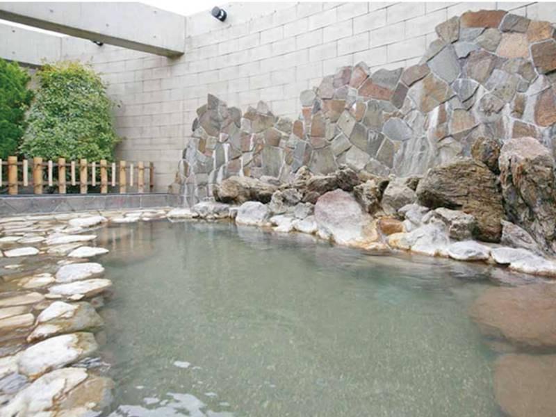 【露天風呂】新鮮な天然温泉をかけ流し!