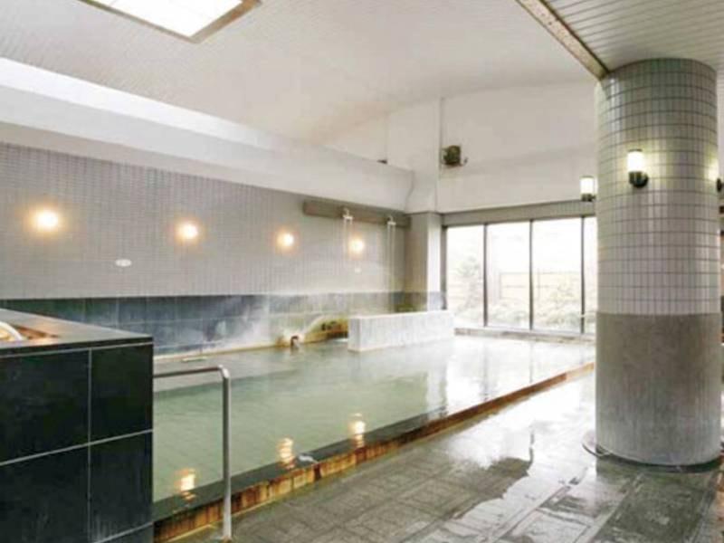 【大浴場】新鮮な天然温泉をかけ流し!
