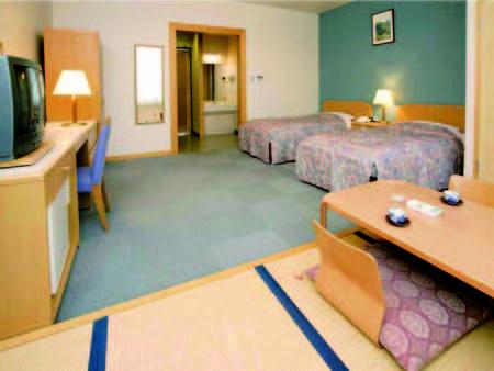 【客室/例】ツイン+畳の間5畳の和洋室