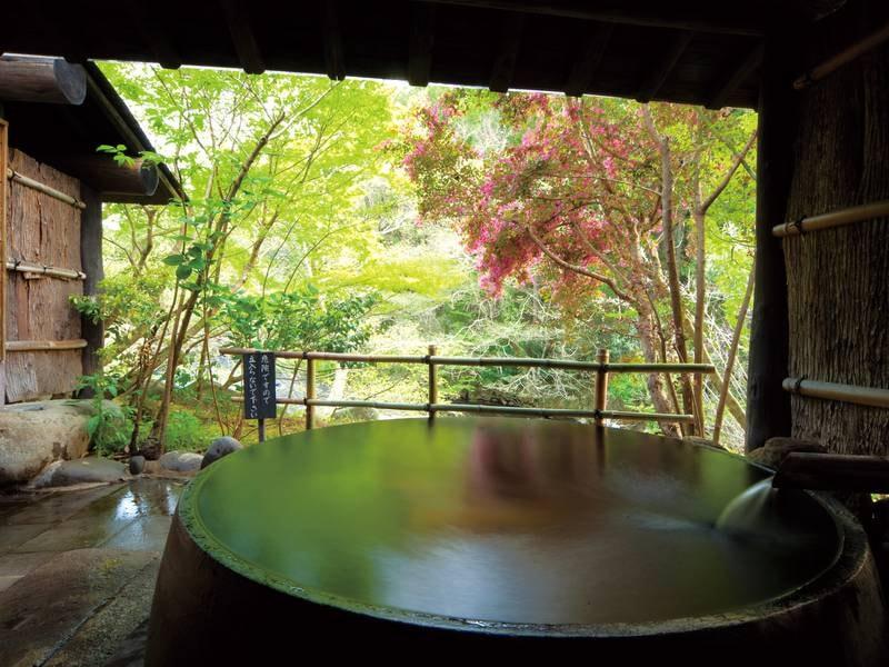【家族風呂・かま湯/例】ジェット水流と気泡でマッサージ