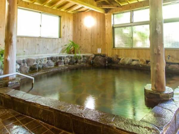 【かんなわ ゆの香】別府・鉄輪温泉の名湯を大浴場や貸切風呂で堪能。家庭的なおもてなしと、関アジ・関サバなどのご当地美食に包まれ、身も心も満たされる休日に